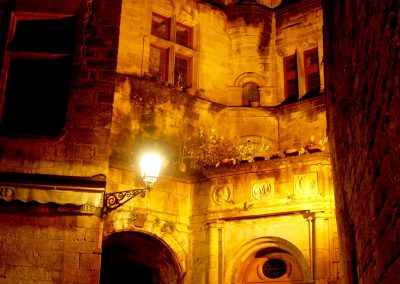 Scenic-lighting-French-chatau-entrance